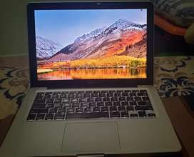 Macbook Pro 13 Core i5 MC700