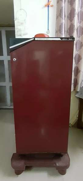 REFRIGERATOR, 7 years old, first owner,