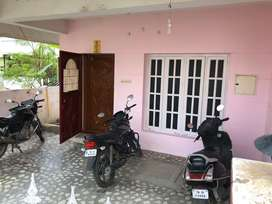 2bed room house in ground floor, 10 min from hosur bustand, 15 min RS