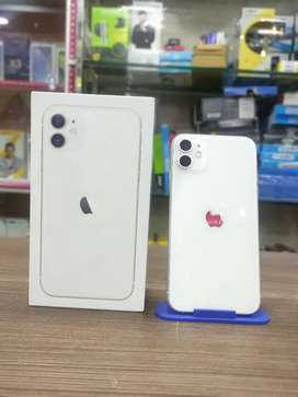 New condition iPhone 11 128gb White (Full box kit 9 months warranty)
