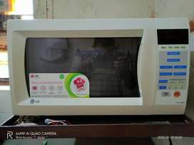 LG 28 L Micro oven with convection