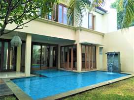 For Rent Town House at Cilandak With Pool & Semi Furnished A0355