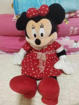 Boneka Minnie mouse