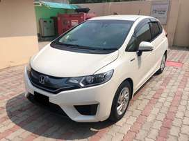 Honda FIT Pearl White with Cruise Control