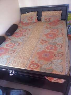 Metallic queen size bed with mattress