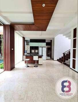 Rumah Dijual di Kebayoran Residences Sektor 7 Bintaro Jaya Hoek Cantik