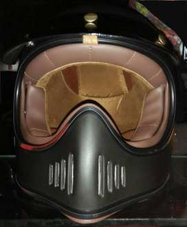 Helm classic/retro cakil Hitam