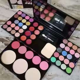 Baby Lovely makeup kit