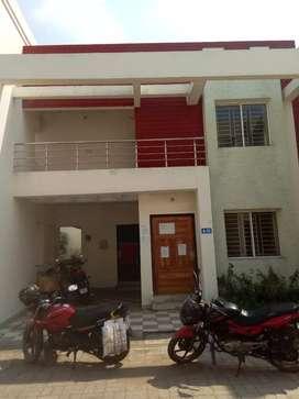 Duplex , 4 bedroom,  2 bathroom
