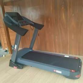Special BUG COMERSIAL treadmill x9 new
