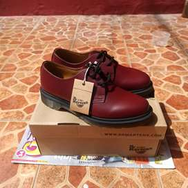 Dr. Martens 1461 PW Red Cherry sz 6 UK / 39 fit 40