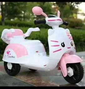 MOTOR AKI HELLO KITTY
