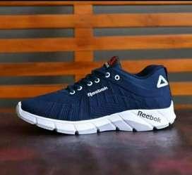 Sepatu R03 sneakers