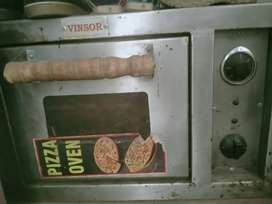 Pizza oven running and good condition