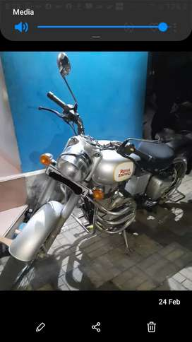 Silver Royal Enfield 350.Single owner