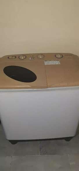Samsung's washing machine, 6 year older, fully working condition