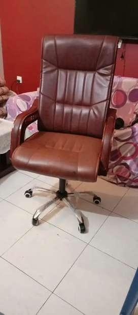 Boss Chair  Office Chair For Sell In Good Price