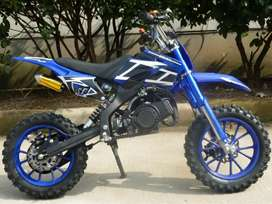 BRAND NEW DIRT BIKE FOR KIDS ( PETROL BIKE )