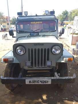 Mahindara jeep