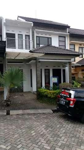 Disewakan Villa cantik dekat Jatim Park 1,2,3 dan BNS