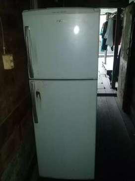 Kulkas pintu 2 hijau saayyy