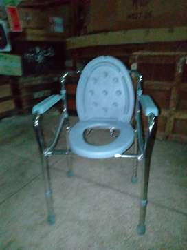 Commod chair for sell