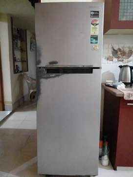 Fridge/Refrigerator - Samsung 253l Frost Free Double Door 4 star