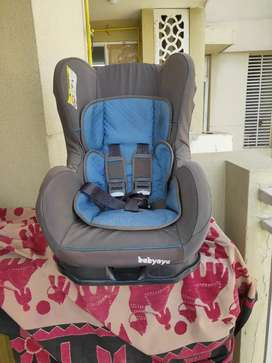 Branded and sturdy Car Seat (two positions)