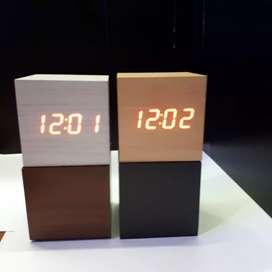 Jam Meja Motif Kayu - Digital LED Wooden Clock ( CUBE ) - WC-400