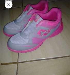 Sepatu ProAtt uk.40 preloved