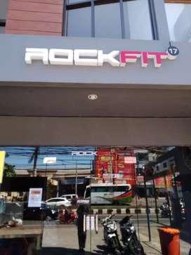 ROCKFIT17 Membutuhkan Fitness Consultant segera