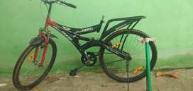 Only not having seat ,in good condition 2018cycle with cycle air pump