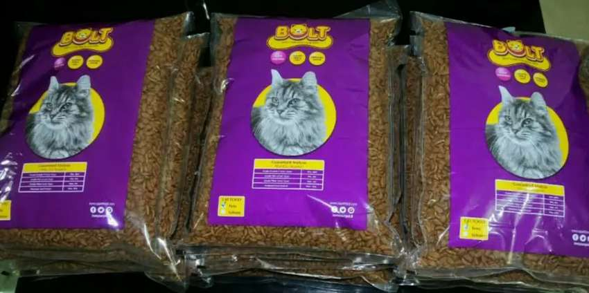 Makanan kucing bolt varian ikan berat kemasan 1 kg Rp 22rb 0