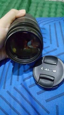 Lensa tele 75-300mm zoom canon mulus seperti baru