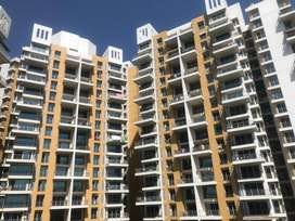 well maintained 3bhk flat in a big society at nagpur