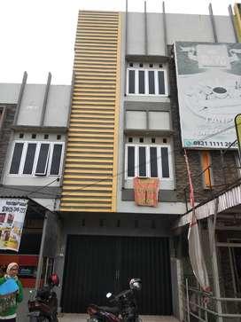 SEWA MURAH!! Ruko 3 Lantai KM 5 Jl. Letnan Murod Palembang
