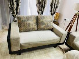Designed sofa set with table