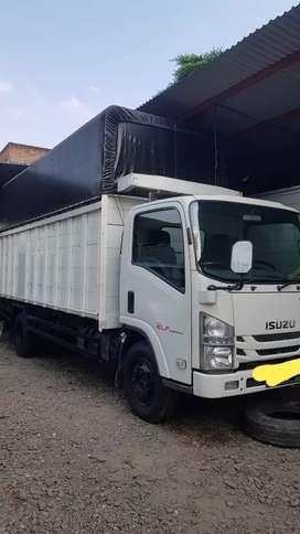 Isuzu nmr 71 truck long
