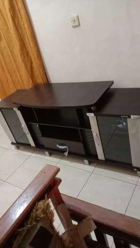 Dijual lemari tv masih baru kondisi mulus