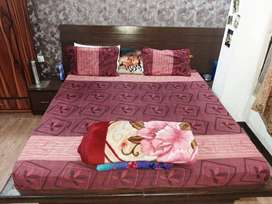 NO BROKERAGE 500+ Furnished PGs for Boys and Girls with meals in Noida