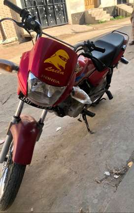 Honda 125 Deluxe Model 2006 for sale with good condition