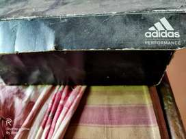 ADIDAS shoes used but in good condition