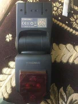 Yongnuo TTL Speed lite YN685 flash in brand new condition