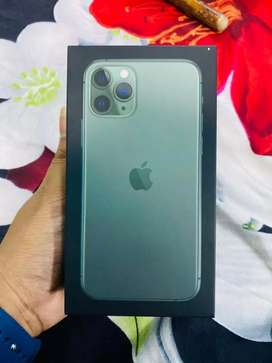 IPhone 11 Pro ..64GB bill box charger