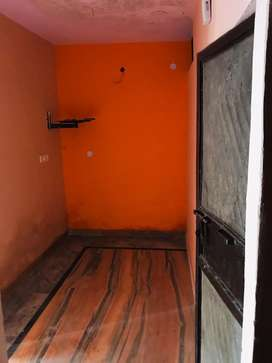 2nd floor seprate flat in good condition
