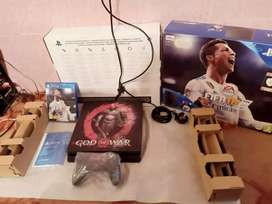 Ps4 slim with 1 controller 6 lattest games installed with box