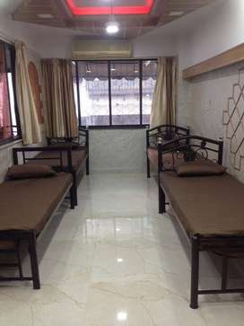 pg accommodation for Male AVAILABLE near Andheri (W) Station