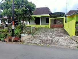 Dijual Tanah Bonus Rumah di Jl Palagan km 15 Sleman Yogyakarta