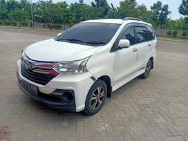 Daihatsu Xenia 1.3mt Sporty putih thn2015