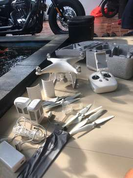 Drone DJi Phantom 4 masih seperti baru 90 persen